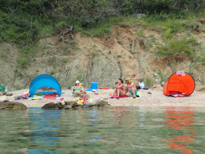 oblázková pláž Pag